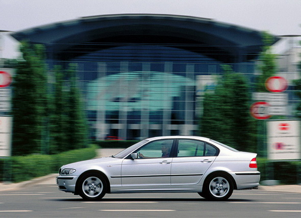 BMW_E46_Sedan_Press_Photos_018.jpg